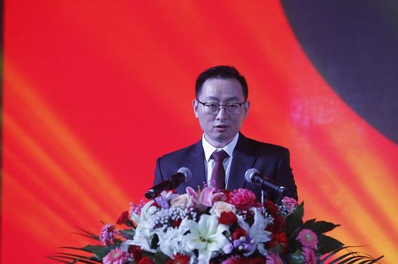 集团总裁陈金龙先生致辞.JPG