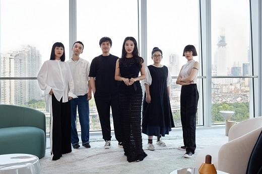 当代时尚教母余晚晚携手Farfetch发发奇 助力中国独立设计师发展