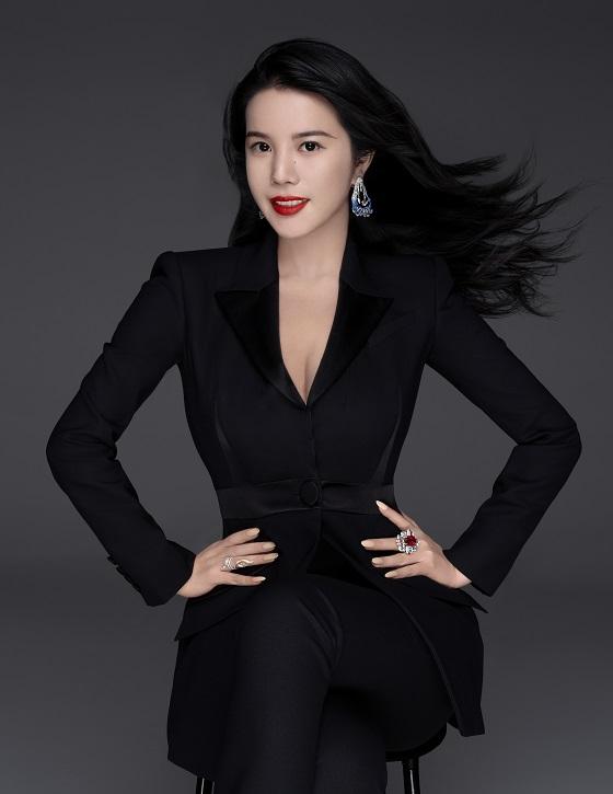 """余晚晚被UCCA尤伦斯当代艺术中心任命为最年轻理事 Yu Holdings以""""创意力量创投者""""为使命继续推动时尚和艺术共融"""