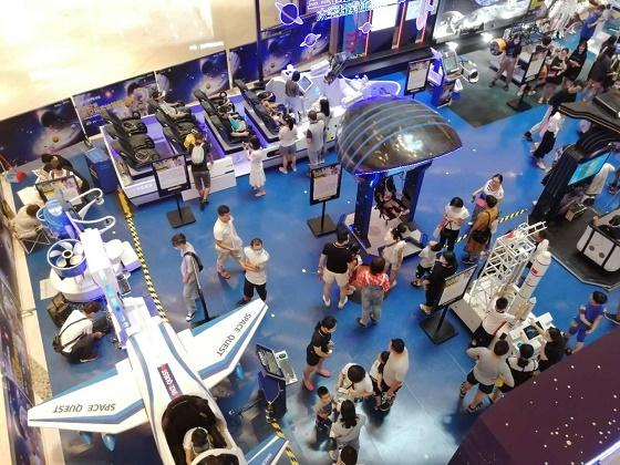 常德欢乐城举办VR航空航天体验展